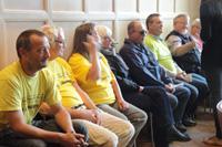 Aktivister i byrådssal